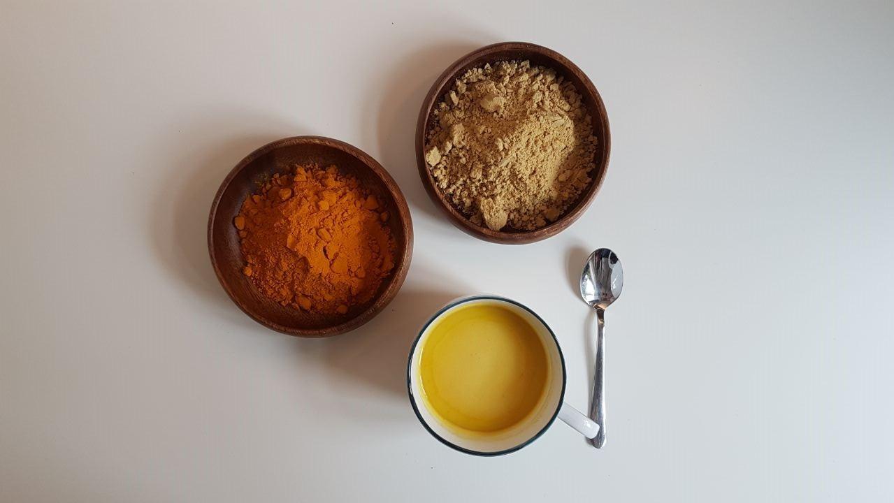 Fraulichkeit Goldene Milch Immunsystem Stärken Endometriose PMS Regelschmerzen